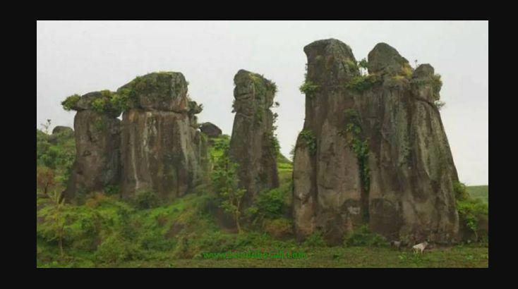 Fenomena Unik Batu Susun Stonehenge di Bondowoso