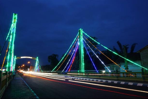 Ada Wisata Kuliner di Jembatan Kironggo
