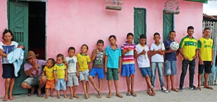 Pasangan Suami Istri Memiliki 13 Anak, Masih Ingin Nambah Anak