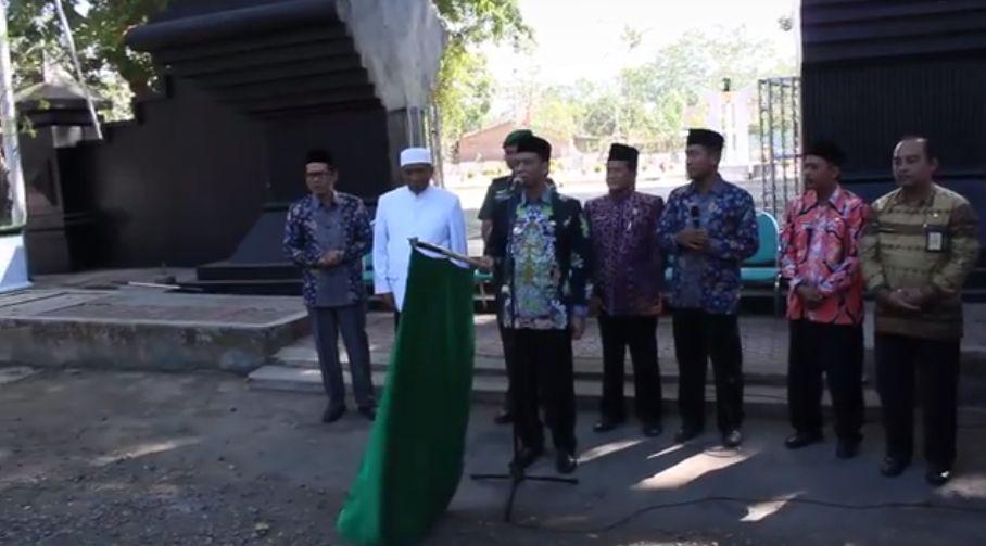 MAN Bondowoso Pecahkan Rekor Bendera Merah Putih Terpanjang se Indonesia
