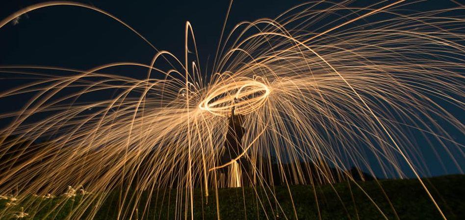Tutorial Lightpainting Percikan Kembang Api Pakai HP Biasa
