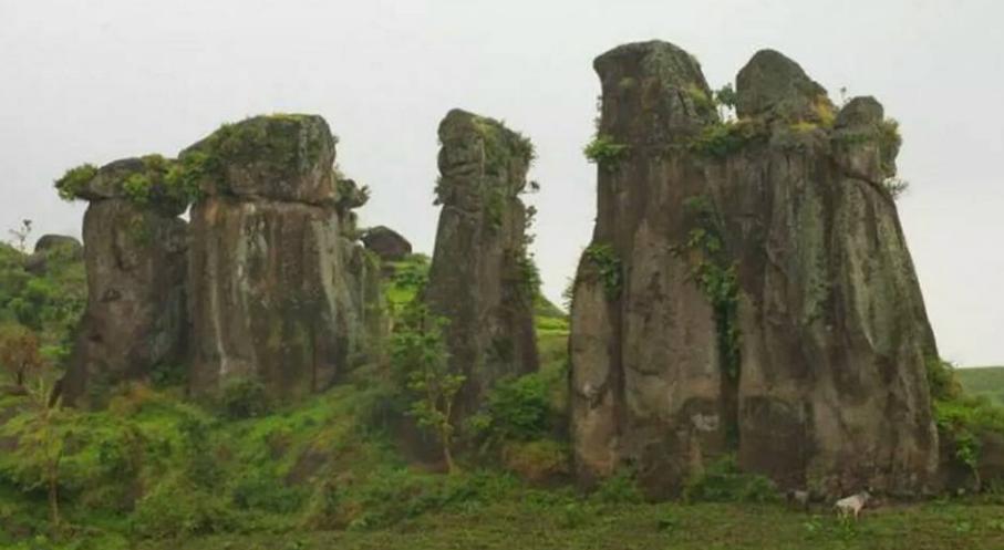 Wisata Batu So'on Megalitikum