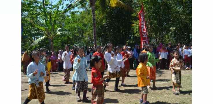 Desa Kembang Bondowoso Mengadakan Upacara dan Drama Kolosal Anak-anak