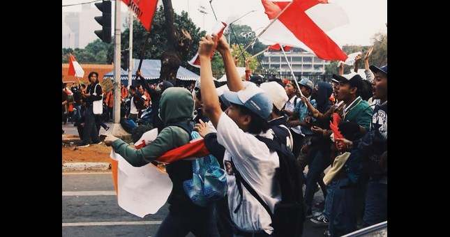 Hormati Adzan, Anak STM : Wooy Adzan Wooy Tahan Dulu, Biar Demo Kita Varokah, Belajar Ngaji Gak Lo?
